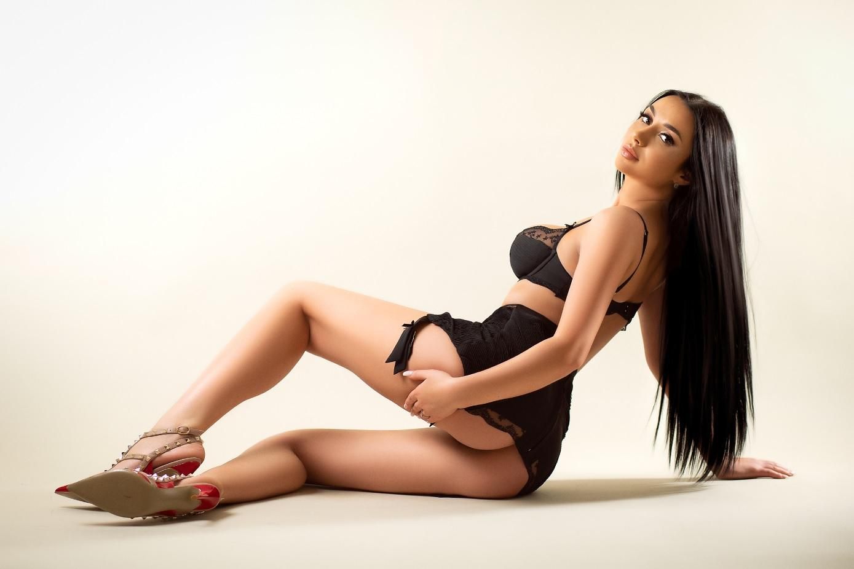 Karina from Pure Tantric Massage London