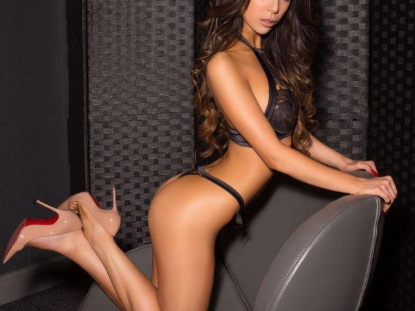 Velenosa from Casino London Models