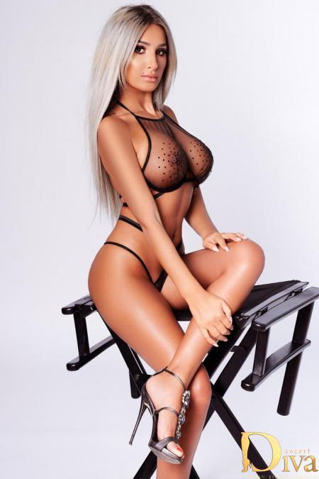 Layle from Park Lane Escorts