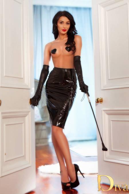 Mistress Irvette from Diva