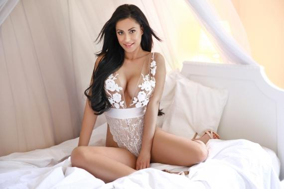 Dolly from London Escorts VIP