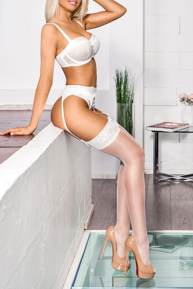 Luna from Target Escorts