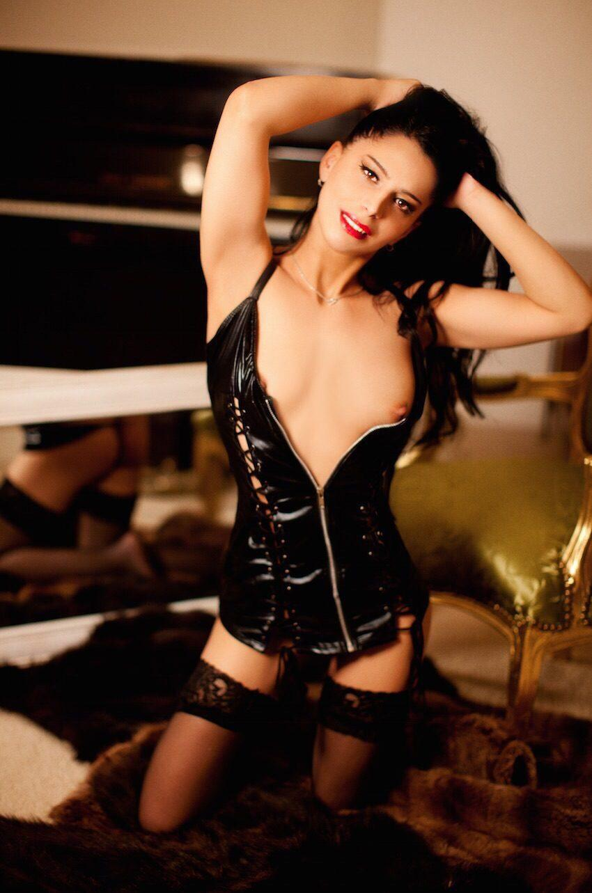 Donna from London Escort Post