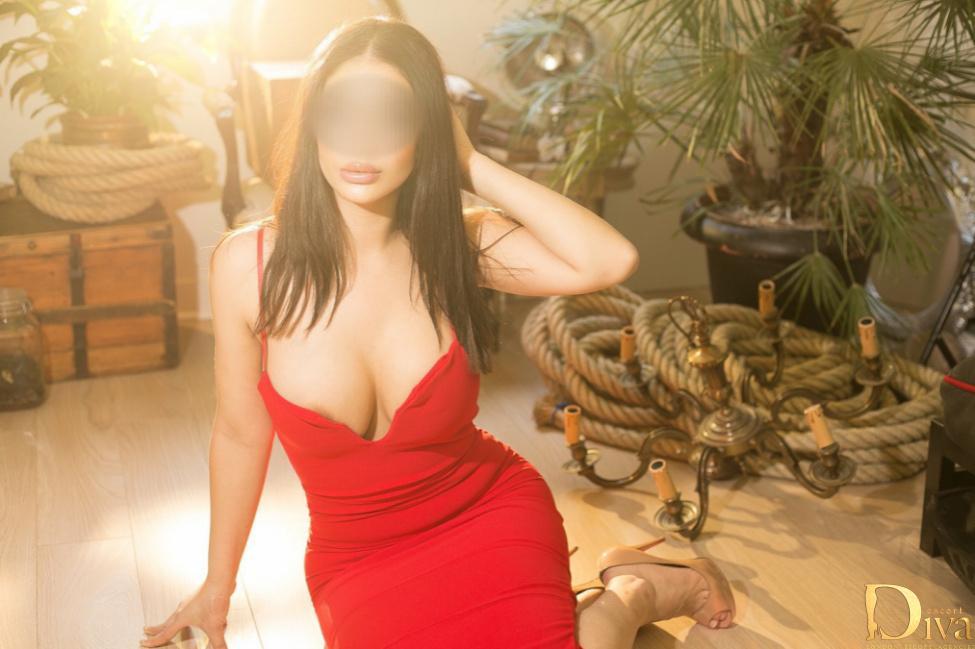 Joanna from VIP Pleasure Girls