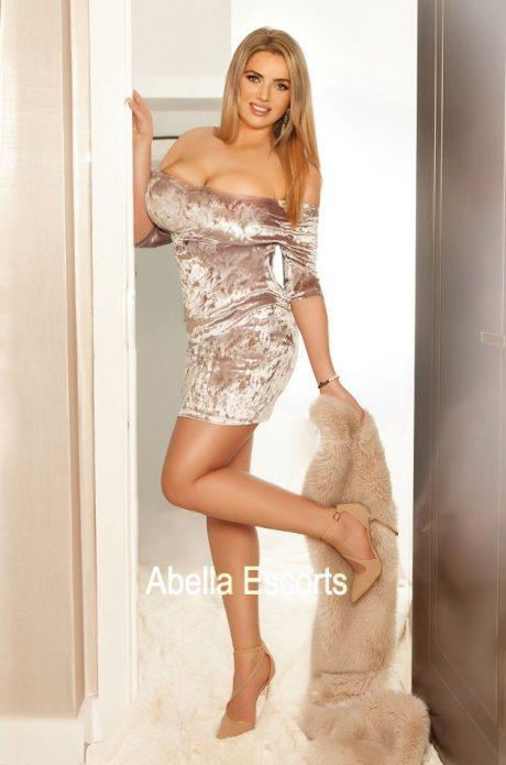 Leona from Cheap and Chic London Escorts