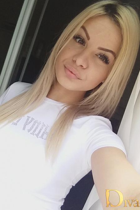 Alina from premiermodelsuk