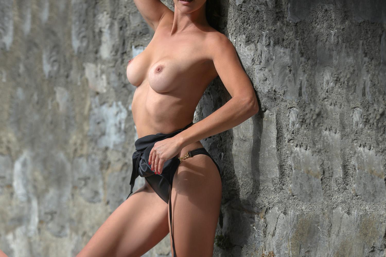 Melinda from Easy Lives
