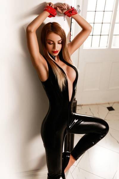 Zoey from Dior Escorts