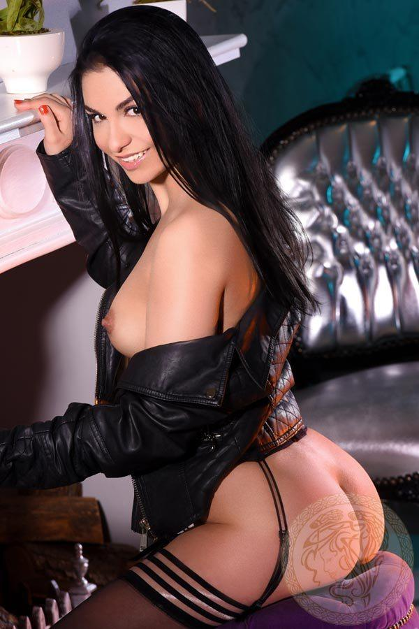 Aris from London Escorts Imperial