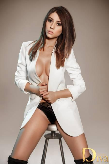 Niki from London Escorts VIP